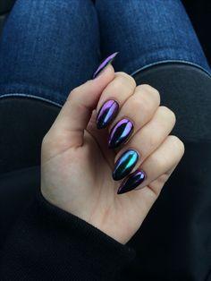 #nails #black #chromenails #chrome #almond #almondnails #purple #green #chameleonnails #chameleon
