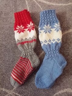 Mitten Gloves, Mittens, Sock Toys, Knee Socks, Knitting Socks, Slippers, Barn, Diy Crafts, Handmade