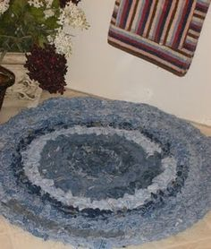 rag rug from old jeans - tutorial