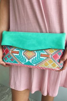 Bag To Differ Clutch: Mint/Multi