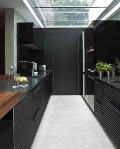 Inspiring Ideal of Very Small Kitchen Designs with Small Kitchen Furniture : Elegant Small And Modern Black Ktichen With Glazed Ceiling And Contemporary Kitchen Utilities Very Small Kitchen Design, Galley Kitchen Design, Galley Kitchens, Black Kitchens, Interior Design Kitchen, Cool Kitchens, Small Kitchens, Kitchen Small, Kitchen Black