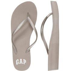 Gap Women Factory Logo Wedge Flip Flops (29 MYR) ❤ liked on Polyvore featuring shoes, sandals, flip flops, wedge sandals, wedge heel flip flops, synthetic shoes, wedge flip flops and strap shoes