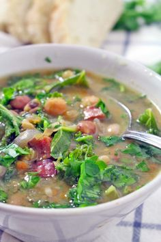 Slow Cooker 16 Bean and Kale Soup
