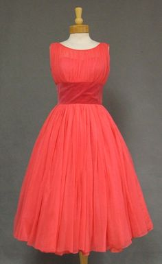 1950s salmon nylon and velveteen party dress, reminds me of bree vandekamp from desperate housewives. <3 would look fab with peach/tan heels.