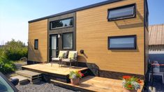 Mother Daughter Tiny House – Exploring Alternatives 1