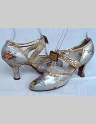 Inspired by historic fashion | www.myLusciousLife.com - Metallic Floral Shoes - 1930's