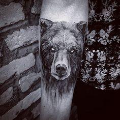 Black Bear   #art #artist #arte #artwork #blackworkers #blackwork #blackworkerssubmission #blxckink #blackart #btattooing #drawing #dotwork #dotworktattoo #equilattera #electricink #engraving #inked #inkedmagazine #illustration #ilustraçao #inkstinctsubmission #bear #beartattoo #linework #lines #tattoodo #tattoo #tattooed #tatuagem