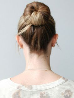 5-minute hairstyles for busy moms - The top knot