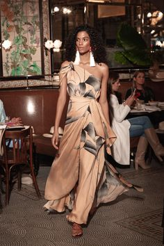 ***Collection : JOHANNA ORTIZ  RESORT 2019***