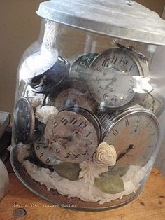 Lovely collection of clock faces. What to do with all those old watches & clocks that don't work, but look so nice. Old Clocks, Antique Clocks, Vintage Clocks, Tick Tock Clock, Old Watches, Pocket Watches, Time Stood Still, Bottles And Jars, Glass Jars