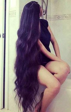 Boys love long hair and thick thighs Beautiful Long Hair, Gorgeous Hair, Beautiful Legs, Curly Hair Styles, Natural Hair Styles, Really Long Hair, Rapunzel Hair, Silky Hair, Hair Pictures