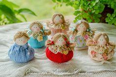 How to make Textil Doll - Bonequinha feita de fuxico - JoAnne Blondin - Handarbeit Diy Crafts Videos, Diy And Crafts, Homemade Dolls, Snowman Cards, Lavender Bags, Clay Baby, Christmas Animals, Waldorf Dolls, Doll Head