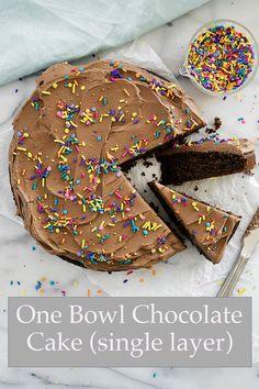 Single Layer Chocolate Cake Recipe, White Chocolate Cookie Recipes, Vanilla Cookie Recipe, Chocolate Icing, Chocolate Cream, One Layer Cakes, Single Layer Cakes, Buttercream Recipe, Frosting