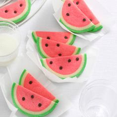 I have to make these Watermelon Slice Cookies for the 4th of July!!