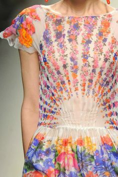 patternprints journal: PRINTS, PATTERNS AND DETAILS FROM S/S 14 WOMENSWEAR COLLECTIONS, MILAN FASHION WEEK / 4