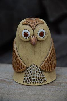 Keramická sova / Zboží prodejce malina11   Fler.cz Owl, Garden Totems, Ceramic Art, Baseball Hats, Pottery, Owls, Handicraft, Drawings, Ceramica