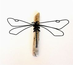 Dragonfly Wire Sculpture by WiredbyBud on Etsy, $25.00  Filo di ferro