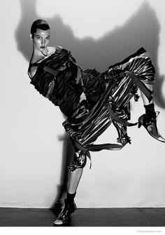 Karlie Kloss in Comme des Garçons Ensemble, photographed by Steven Klein for V Magazine, 2015 tag: Rei Kawakubo V Magazine, Magazine Editorial, Karlie Kloss, Art Partner, Creation Photo, Rei Kawakubo, Img Models, Comme Des Garcons, Couture