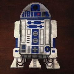 R2D2 - Star Wars perler bead creation by perlerbeadgeek