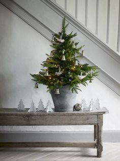 Modern Country Style: Top Ten Nordic / Scandinavian Christmas Hallway Ideas