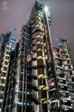 Inside-Out Architecture of Lloyd's Building in the City of London, UK Richard Rogers, Inside Out, London City, Staircases, Monuments, Pipes, Steampunk, Buildings, Around The Worlds