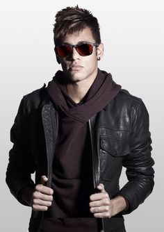 Guys with style Neymar Pic, Messi And Neymar, Neymar Jr Wallpapers, Concept Clothing, Football Fever, Police, Attractive Guys, Hommes Sexy, Soccer Players