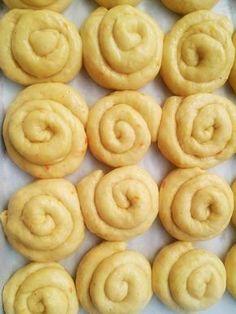 Cheese Pies, Little Corner, Onion Rings, Easter Recipes, Deserts, Remedies, Lemon, Sugar, Cookies