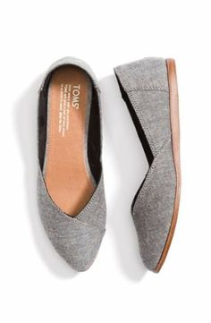 Stitch Fix Style Youve got to try this! Stitch Fix is the personal styl Women's Shoes, Cute Shoes, Me Too Shoes, Shoes Style, Tom Shoes, Flat Shoes, Minimal Chic, Cristian Dior, Toms Flats