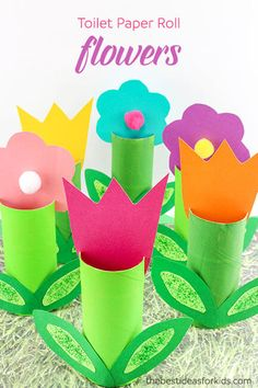Toilet Paper Roll Flower Craft - these are the perfect Spring craft!   Toilet Paper Roll Crafts | Spring crafts | Flower crafts | Kids crafts | Construction Paper Crafts via @bestideaskids