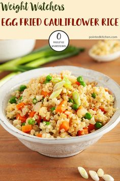 This Egg Fried Cauliflower Rice is so easy to make, tastes delicious and is zero SmartPoints on Weight Watchers Freestyle plan. If the thought of cauliflower 'rice' turns you off then this just may be Weight Watchers Casserole, Poulet Weight Watchers, Weight Watchers Vegetarian, Plats Weight Watchers, Weight Watchers Chicken, Weight Watcher Vegetable Recipes, Weight Watcher Dinners, Chicken Fried Cauliflower Rice, Cauliflower Recipes