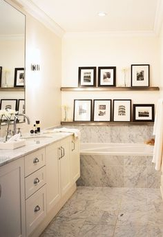 art above bathtub display