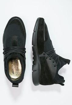 Shoe Brands, Android, Shoes, Black, Zapatos, Shoes Outlet, Black People, Shoe, Footwear