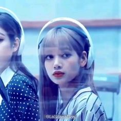 she doesn't deserve hate so stop hating on her bitches do somthing in you're life then hating on her this disgusting My baby doens't deserve this i feel sorry For her My sweet and innocent Lisa! Black Pink Songs, Black Pink Kpop, Blackpink Video, Foto E Video, Yg Entertainment, Happy Birthday Video, Dance Kpop, Blackpink Funny, Lisa Blackpink Wallpaper