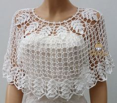 White Bohemian Bridal Capelet for Women, Fairytale Romantic Wedding Lace Bolero,. White Bohemian Bridal Capelet for Women, Fairytale Romantic Wedding Lace Bolero,. Crochet Bolero, Boho Crochet, Poncho Au Crochet, Crochet Simple, Crochet Cape, Lace Bolero, Easy Crochet Patterns, Crochet Summer, Crochet Blouse