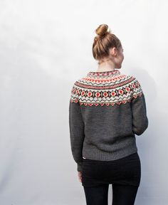 --I like the simple pattern, minimal attention-grabber, it looks like it could be layered nicely and not get too bulky Knitting Designs, Knitting Projects, Knitting Patterns, Fair Isle Knitting, Hand Knitting, Nordic Chic, Norwegian Knitting, Simple Pattern, Cozy Fashion