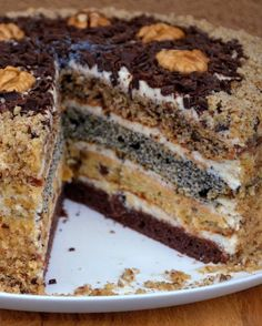 """#Рецепт Изумительно вкусный и очень нежный торт """"Дамский каприз"""" - это очень простой сметанник с маком, изюмом, орехами и шоколадными коржами. У этого торта есть множество названий """"Бедный еврей"""", """"Королевский"""", """"Сказка"""" и т.д. Торт получается красивым, высоким и очень вкусным. Рецепт в карусели листайте фото ... Жду с нетерпение Ваши комментарии! ————————————————— Подробный видео рецепт приготовления вы можете посмотреть на моем YouTube канале, ссылка в профиле Instagram… Тирамису, Еда"""