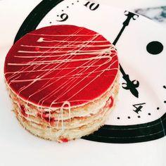 One of the #delicious #cakes from @sandersonLDN @sandersonlondon #afternoontea #imamadhatter #toplondonrestaurants layered raspberry sponge #lovelondon #foodporn #thatsdarling