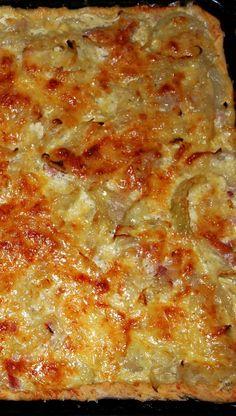 Tarte à loignon Belette cuisine Crockpot Recipes, Chicken Recipes, Cooking Recipes, Quiches, Omelettes, Onion Tart, Onion Pie, Pizza Cake, Cuisine Diverse