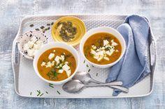Door linzen toe te voegen aan deze pompoensoep, kun je 'm prima als maaltijd eten - Recept - Allerhande
