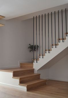 Escaleras molinico - New Ideas Dream House Interior, Interior Stairs, Home Interior Design, House Staircase, Staircase Railings, Stair Railing Design, Modern Stairs, Home Design Plans, Home Decor Furniture