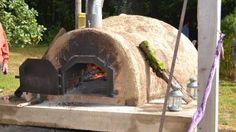Pizzas au feu de bois dans le four banal à Anlier (Habay)