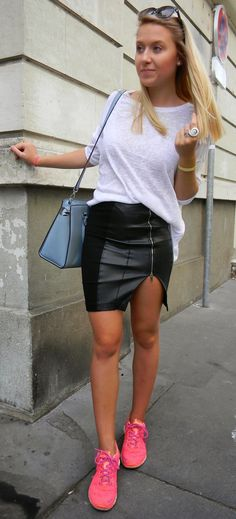 how to create sophisticated look with black bag