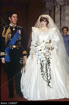 1981 Madame Tussauds wax work models of Princess Diana and Prince Charles on their wedding day Stock Photo Royal Wedding Gowns, Royal Weddings, Wedding Dresses, Princess And The Pea, Princess Of Wales, Princess Diana Wedding, Wax Museum, Princes Diana, Royals