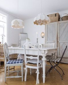 Jenny K Karlsson on Instagram | Farmhouse Dining Room