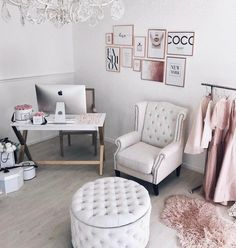 How to Enjoy Studying&Working at Home? – Chic Home Office Design Cozy Home Office, Home Office Chairs, Home Office Space, Home Office Design, Home Office Decor, Office Desk, Office Inspo, At Home Office Ideas, Office Decorations