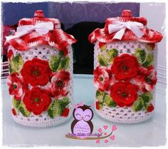 Linda capa acompanhada do pote de vidro . Contém 1 pote com capa de vidro . Crochet Kitchen, Crochet Home, Irish Crochet, Crochet Crafts, Crochet Projects, Crochet Jar Covers, Knitting Patterns, Crochet Patterns, Diy Y Manualidades