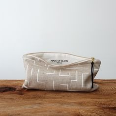 Large Pouch - Stripe in White
