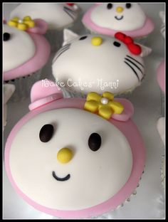 Hello kitty cupcakes for a little girls birthday party Hello Kitty Cupcakes, Cat Cupcakes, Baking Cupcakes, Yummy Cupcakes, Call Me Cupcake, Cupcake Art, Cupcake Cookies, Creative Desserts, Creative Cakes