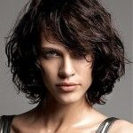 30 Spectacular short curly bob hairstyles is perfect choice for you who have curly hair or want to look different with curly hairstyles. Easy to manage and gorgeous look is the result for your short bob hairstyles Bob Haircut Curly, Haircuts For Curly Hair, Layered Bob Hairstyles, Curly Hair Cuts, Wig Hairstyles, Curly Hair Styles, Hairstyle Ideas, Medium Haircuts, Hairstyle Men
