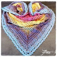 Wunderschönes Häkeltuch / Dreieckstuch - kostenlose Anleitung in 10 Sprachen (Lost-in-time) - beautiful crocheted triangular scarf - crochet pattern in 10 languages